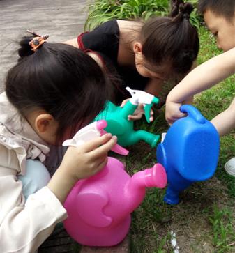 儿童气球玩具喷水壶
